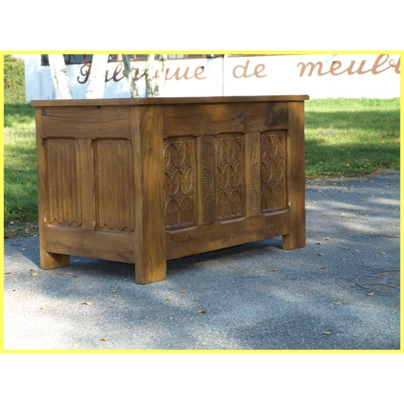 coffre gothique 3 panneaux meubles de normandie. Black Bedroom Furniture Sets. Home Design Ideas