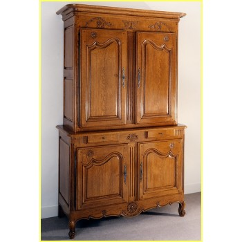fabulous buffet corps marguerite en chne with buffet normand ancien. Black Bedroom Furniture Sets. Home Design Ideas
