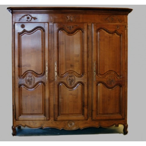 armoire 3 portes marguerite en merisier meubles de normandie. Black Bedroom Furniture Sets. Home Design Ideas